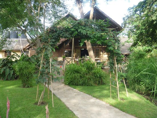 Arumeru River Lodge: lodge