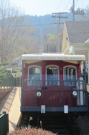 The Lookout Mountain Incline Railway: At the bottom looking up the mountain