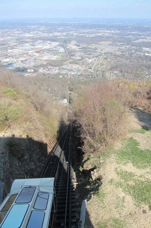 The Lookout Mountain Incline Railway: Looking down