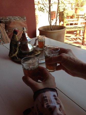 Riad Miski : mint tea on arrival