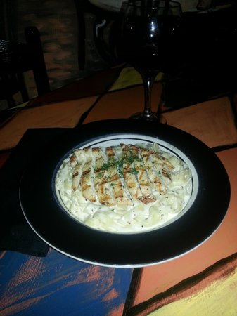 Rossini Cucina Italiana: Fettuccine Alfredo with Chicken