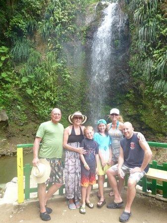 Treasure Tours St. Lucia : waterfall
