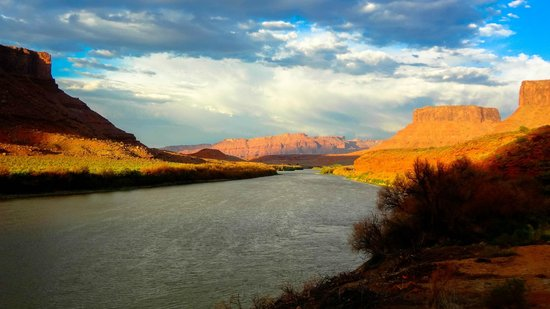 Red Cliffs Lodge: Colorado River