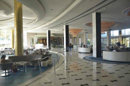 Fontainebleau Miami Beach: Salones