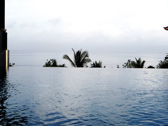 Mercure Kuta Bali: Rooftop pool.