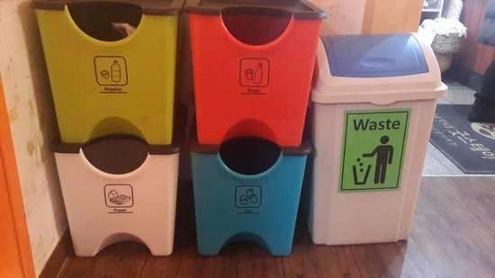 Apple Backpackers Guesthouse: the recycled bins