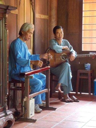 Indochina Pioneer: Music performance