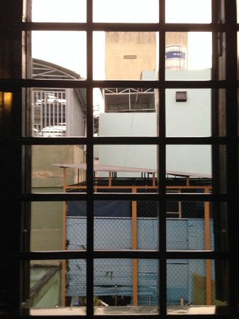 Cinnamon Hotel Saigon: Room with no view