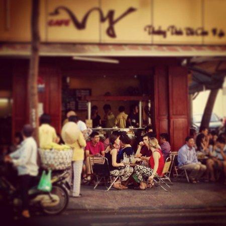 Cinnamon Hotel Saigon: delicious vietnamese coffees in the neighborhood
