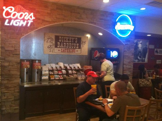 Dickey's Barbecue Pit: Drink Island