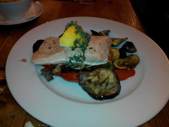Matylda restaurant - pizzeria: рыба