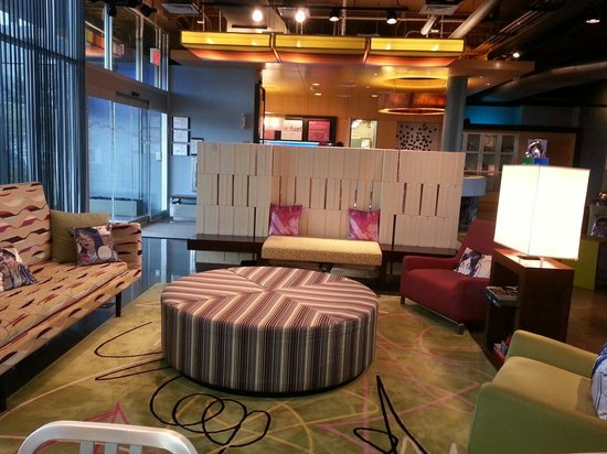 aloft Plano: Sitting area. Nice ambiance.