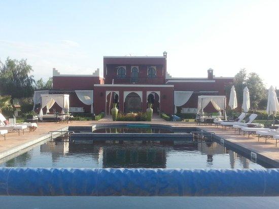 Domaine Du Douar : Une partie du domaine avec la piscine