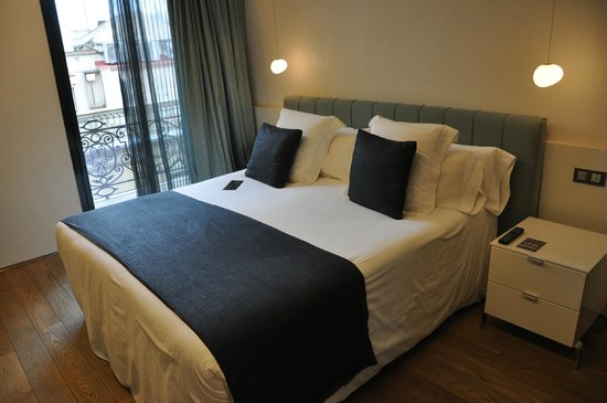 Hotel Ohla Barcelona: Bett