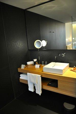 Hotel Ohla Barcelona: Bad