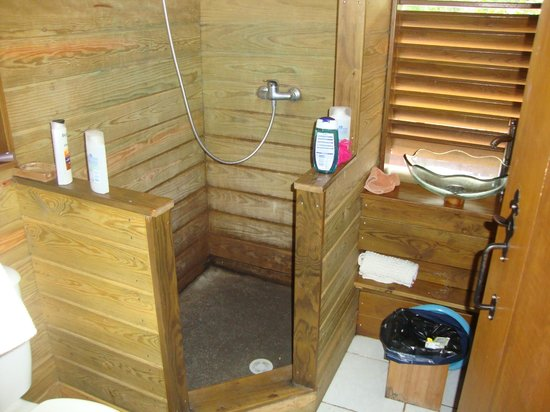 Domaine Karaibes : salle de bain
