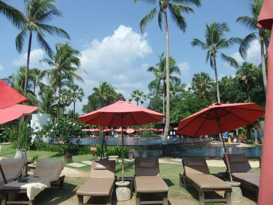 Ramada Khao Lak Resort : Pool Area
