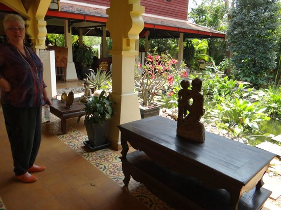 Pavillon d'Orient Boutique-Hotel: well appointed gardens