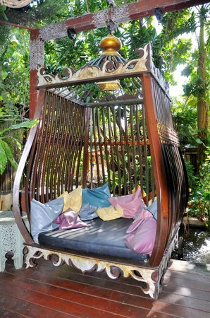 Sawasdee Village: Dream Swing-Chair