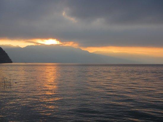 Los Elementos Adventure Center: Sunrise on Lake Atitlan from Los Elementos