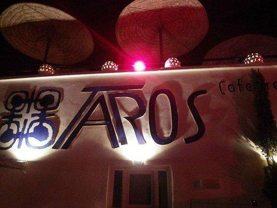 TAROS CAFE RESTAURANT : бар