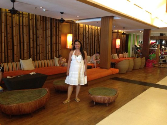 Novotel Phuket Surin Beach Resort.: Reception area