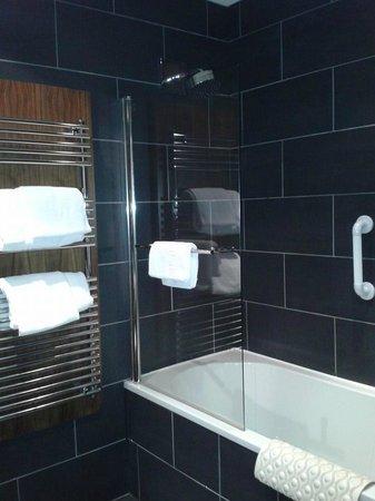 Kimberley Hotel: Lovely bathroom
