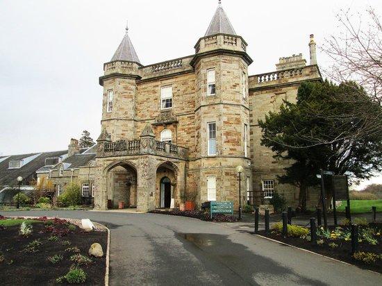 Dalmahoy Hotel & Country Club : Visão geral do castelo