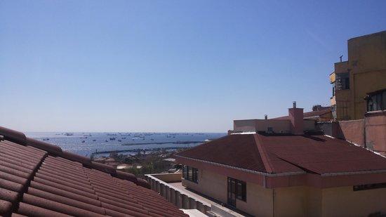 Recital Hotel: Vista para o mar de Mármora.