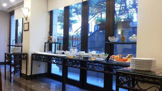 Recital Hotel : Salão do cafe da manhã.