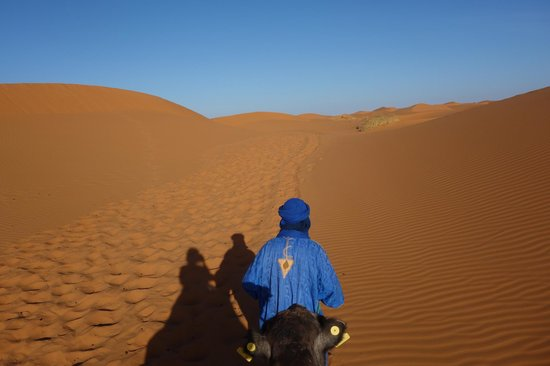 Riad Nezha : Heading out from the riad to the Erg Chebbi dunes