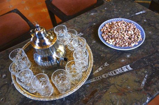 Riad Nezha : Welcome tea in the lobby