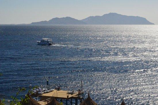 Maritim Jolie Ville Royal Peninsula Hotel & Resort : View of Tiran island