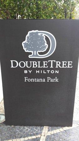 DoubleTree by Hilton Lisbon - Fontana Park : Placa