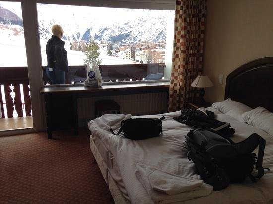 Chalet Hotel Berangere: south facing balcony room with incredible view