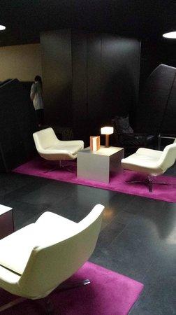 DoubleTree by Hilton Lisbon - Fontana Park : Lobby