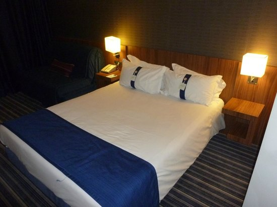 Hotel Holiday Inn Express Bilbao: Cama