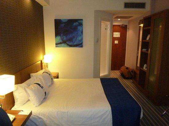 Hotel Holiday Inn Express Bilbao: Cama 2