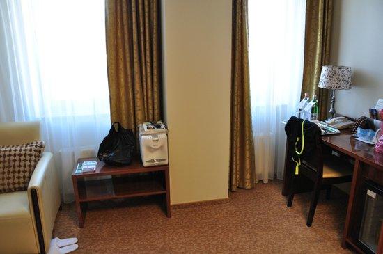 Hotel Avalon : гостиная