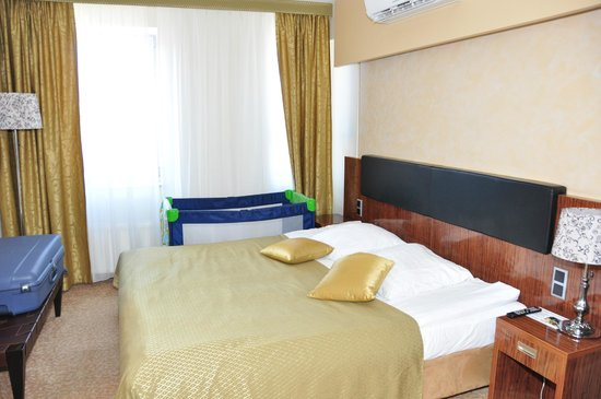 Hotel Avalon: спальня