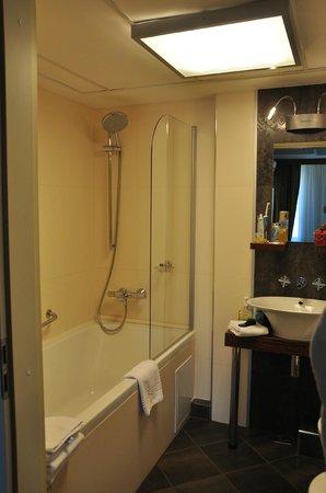 Hotel Avalon: ванна