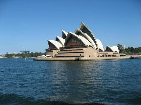 Sydney Opera House: Opera House view from water