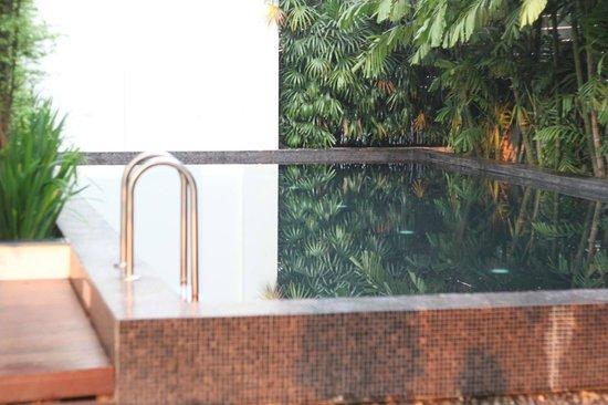 Aruntara Riverside Boutique Hotel: Peaceful pool