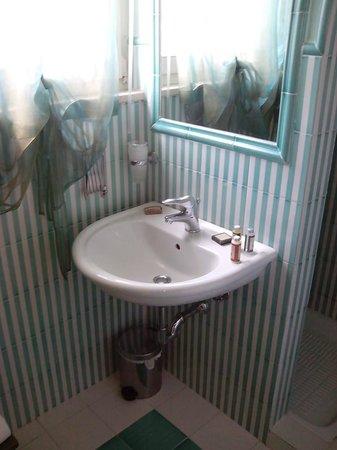 Garden Resort & Spa San Crispino: stanza