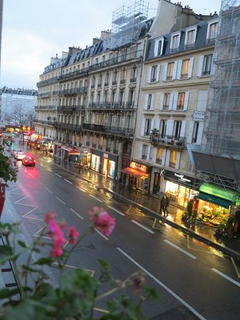 Hotel Elysa Luxembourg : Vista da rua