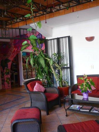 Catedral Vallarta Boutique Hotel : Gemütliche Sitzecke im Hof