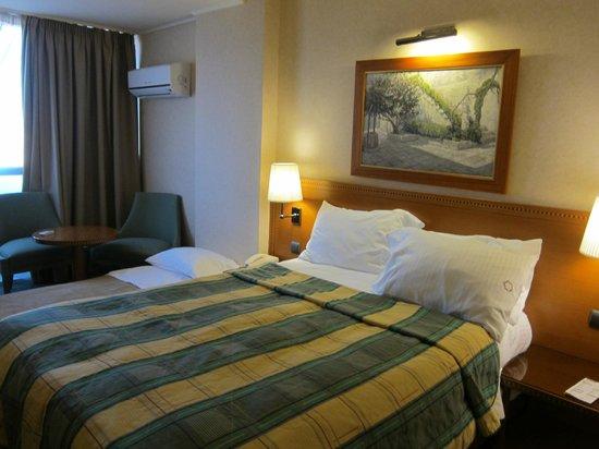 President Hotel: room
