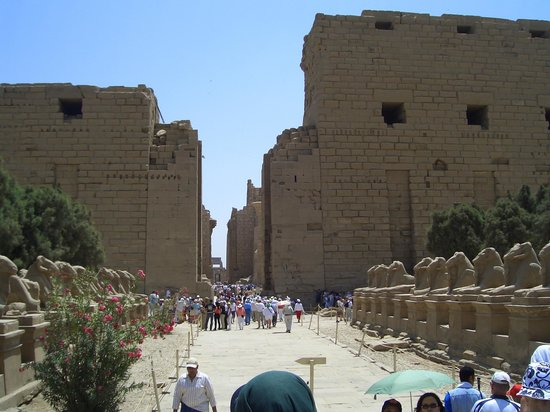 Templo de Luxor: Подходим к Луксорскому храму