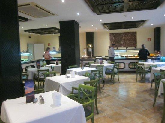 Hotel THB Flora: Vista comedor
