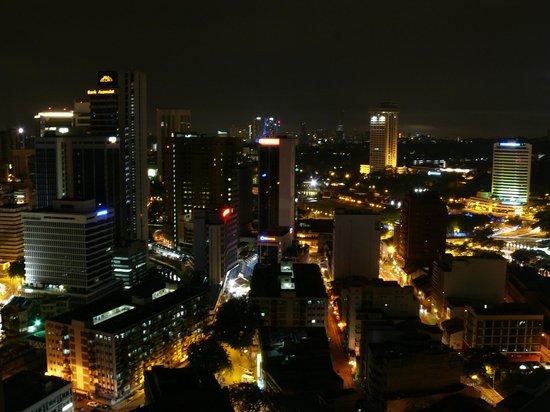 Silka Maytower Kuala Lumpur : Вечерняя панорама из номера